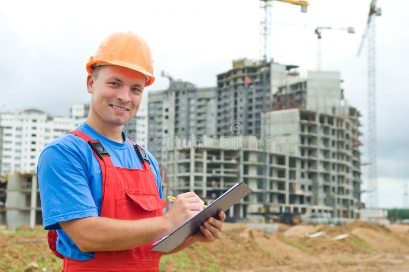 Inspector sonriente del constructor en fotos de archivo libres de regalías