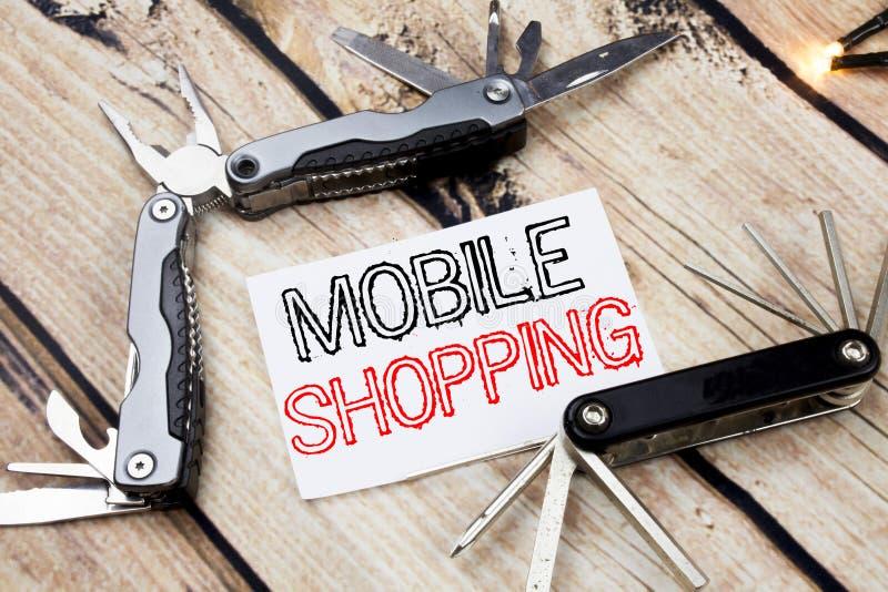 Inspiración conceptual del subtítulo del texto de la escritura de la mano que muestra compras móviles Concepto del negocio para l imágenes de archivo libres de regalías
