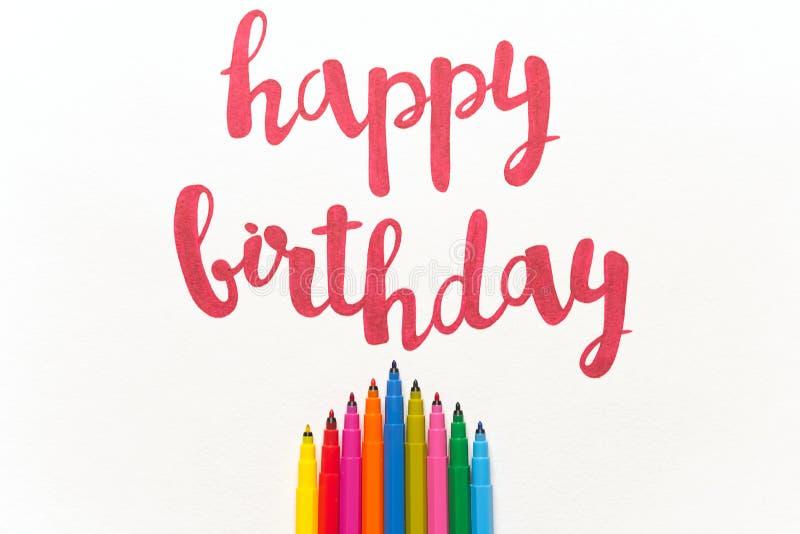 Inspirational citaat` Gelukkige verjaardag ` voor groetkaarten en affiches royalty-vrije stock fotografie