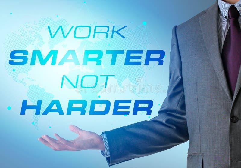 Inspirierend Motivierungsfirmenzitat mit Geschäftsmann Arbeit s stockbild