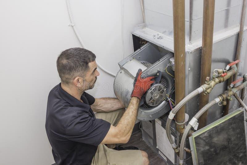 A instalação do motor do reparador da ATAC fotos de stock royalty free