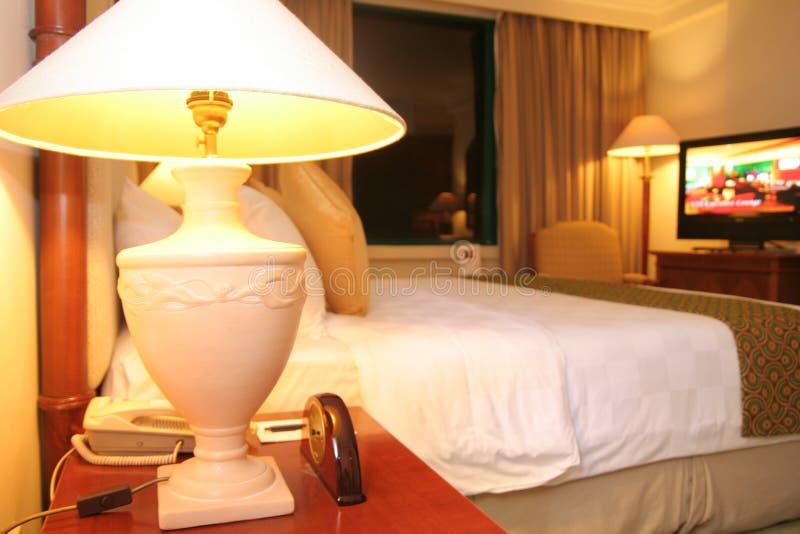 Instalação do quarto do quarto de hotel foto de stock royalty free