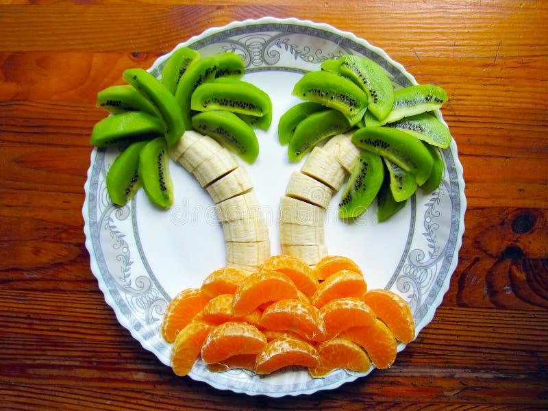 Instalación abstracta de frutas fotografía de archivo