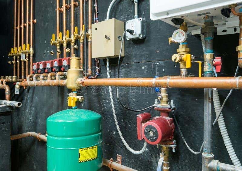 Instalación de la calefacción por agua fotografía de archivo