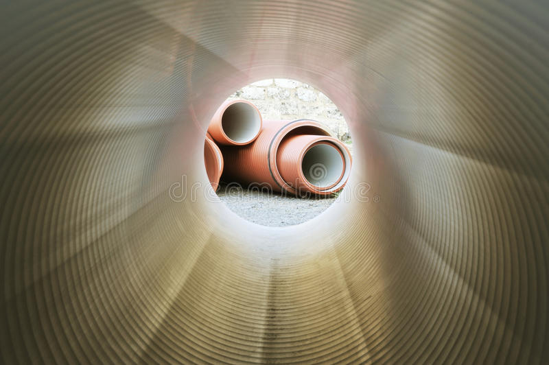 instalaci wodnokanalizacyjnej tubka zdjęcia stock