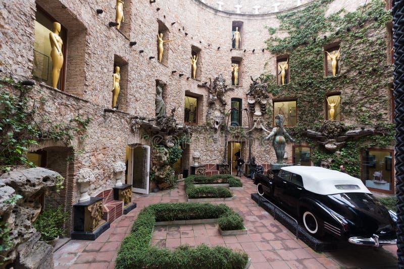 Instalaciones del patio en Dali Theatre y el museo, España imagen de archivo libre de regalías