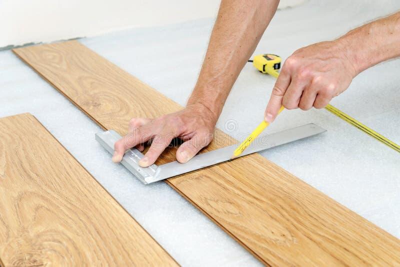 Instalacja laminata floorboard zdjęcia royalty free