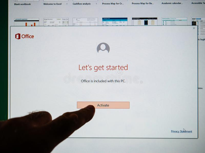 Installatie van Microsoft Office stock foto