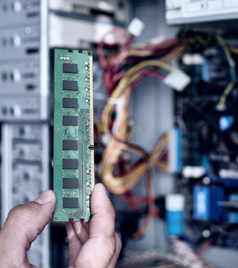 Installation av RAM minnet royaltyfri foto