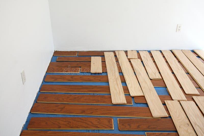 Installation de flottement d'étage de bois dur photos libres de droits