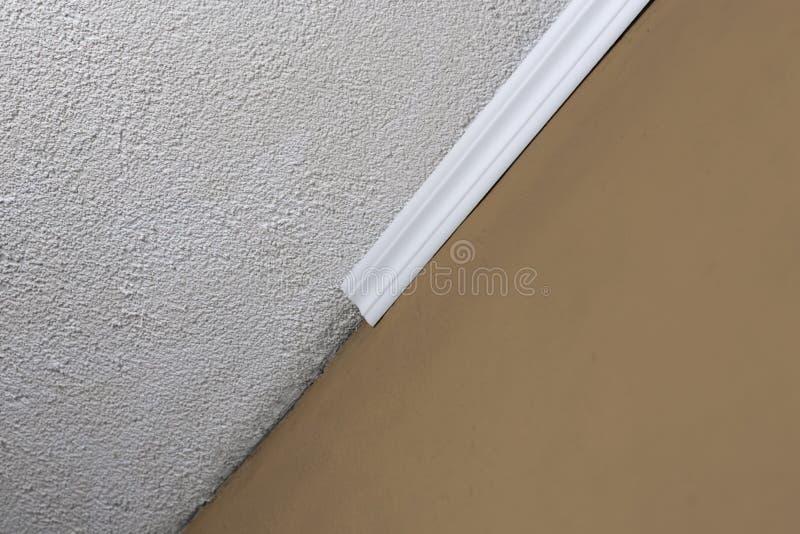 plafond moulure gallery of moulure staff corniche staff plafond staff par votre pltrier avec. Black Bedroom Furniture Sets. Home Design Ideas