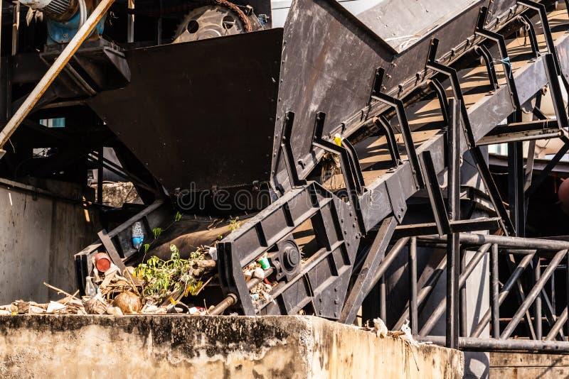 Installation de transformation de déchets photographie stock libre de droits