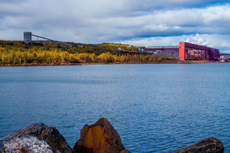 Installation de transformation de minerai de fer, baie argentée, Minnesota photo libre de droits