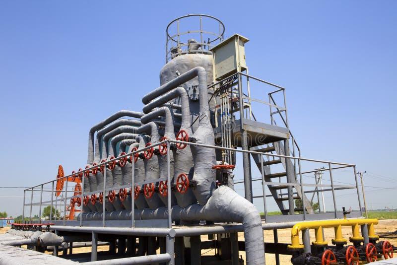 Installation de transformation de pétrole et de gaz images libres de droits