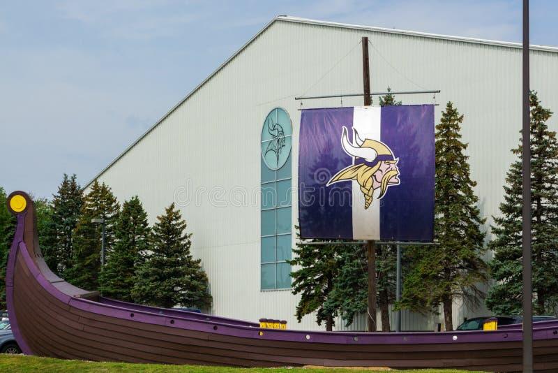 Installation et drapeau de pratique en matière de Minnesota Vikings images libres de droits