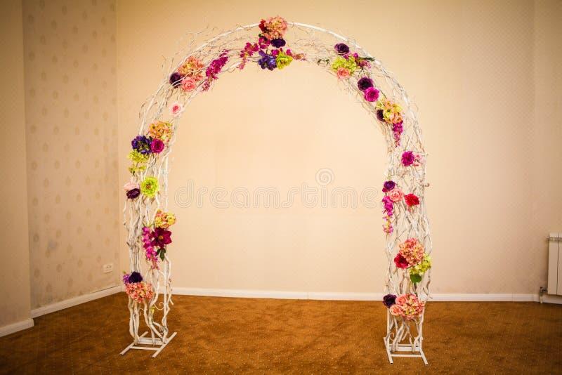 Installation impressionnante et belle de mariage Foyer sélectif toned photos libres de droits