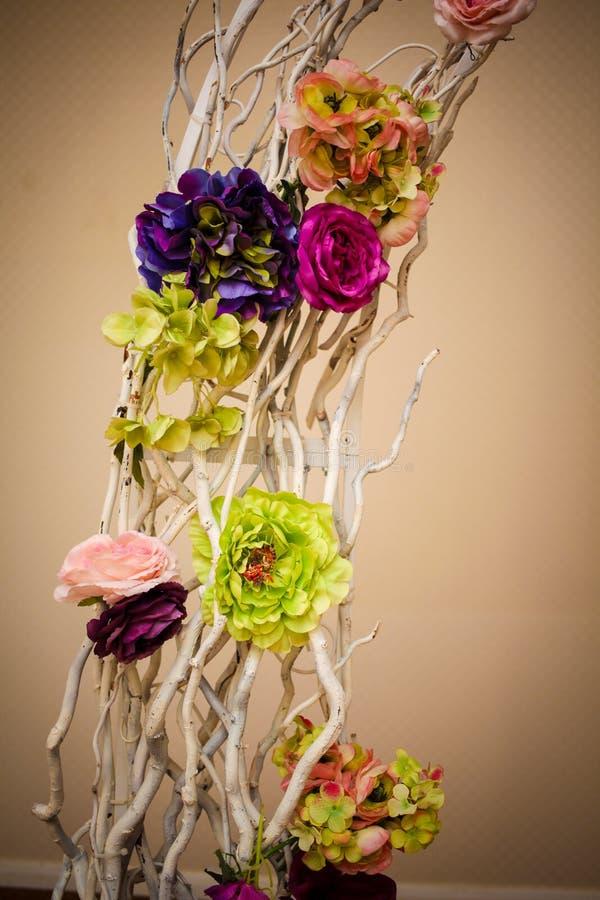 Installation impressionnante et belle de mariage Foyer sélectif toned photos stock