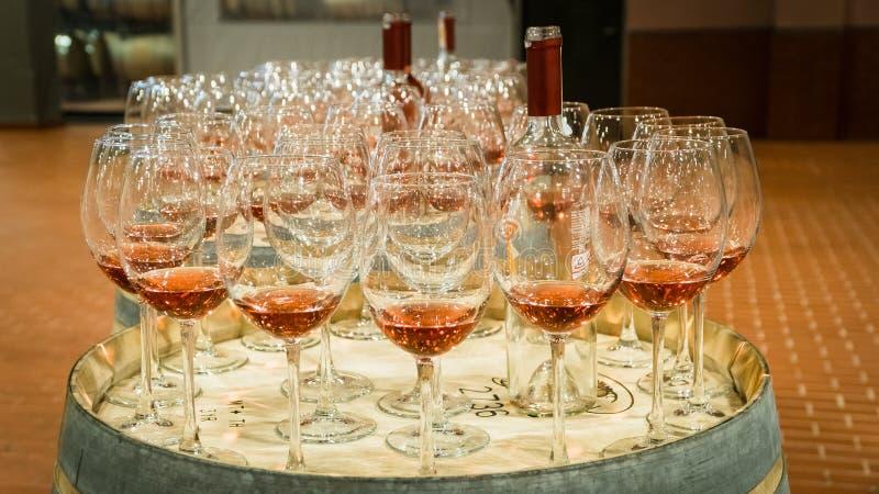 Installation pour l'événement d'échantillon de vin photographie stock