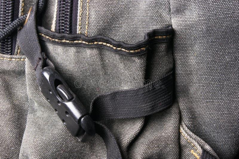 Installationen und macht in den Rucksack Reißverschluss zu lizenzfreies stockbild