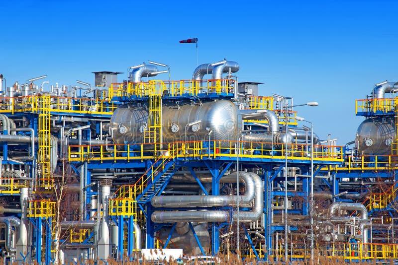 Installazione di attrezzatura di industria petrolifera immagine stock libera da diritti