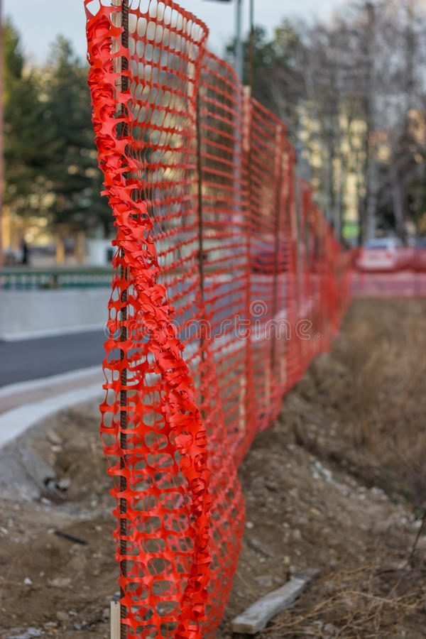 Free Installing Construction Mesh Safety Fence 2 Royalty Free Stock Photography - 39341027