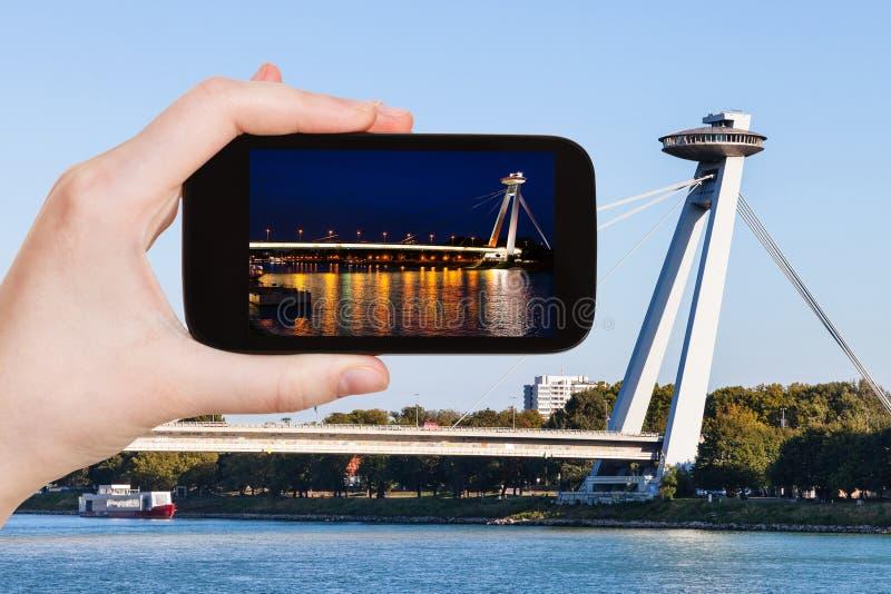 Instantané de pont de SNP (Novy plus) à Bratislava photo libre de droits