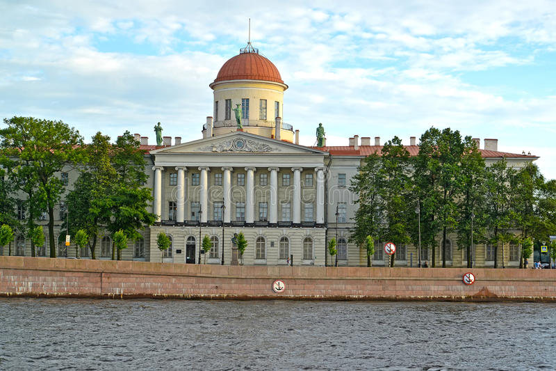 Instituto da literatura de russo & do x28; House& x29 de Pushkin; St Petersburg imagens de stock
