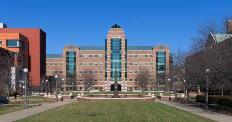 Instituto de Beckman nas Universidades de Illinois imagens de stock royalty free