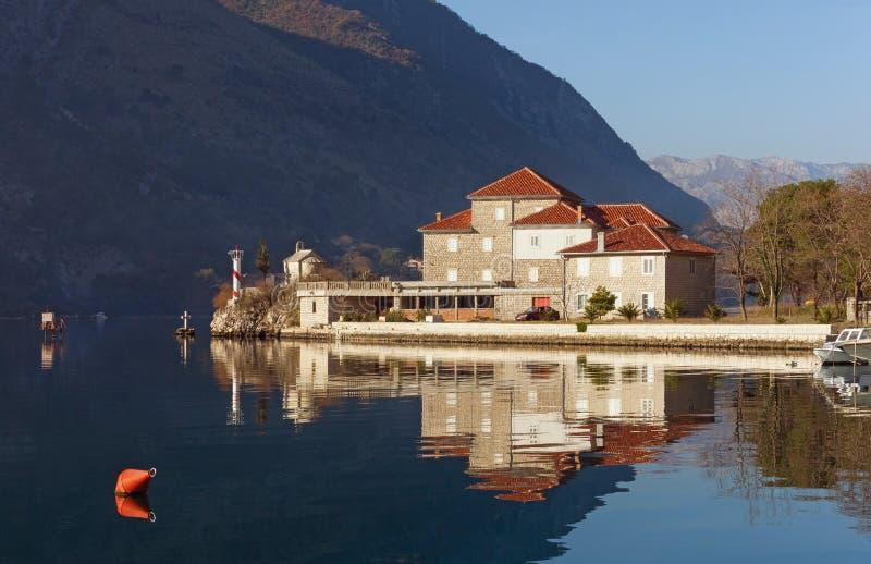 Download Instituto De Marine Biology Bahía De Kotor, Montenegro Imagen de archivo - Imagen de cuesta, costa: 64212311