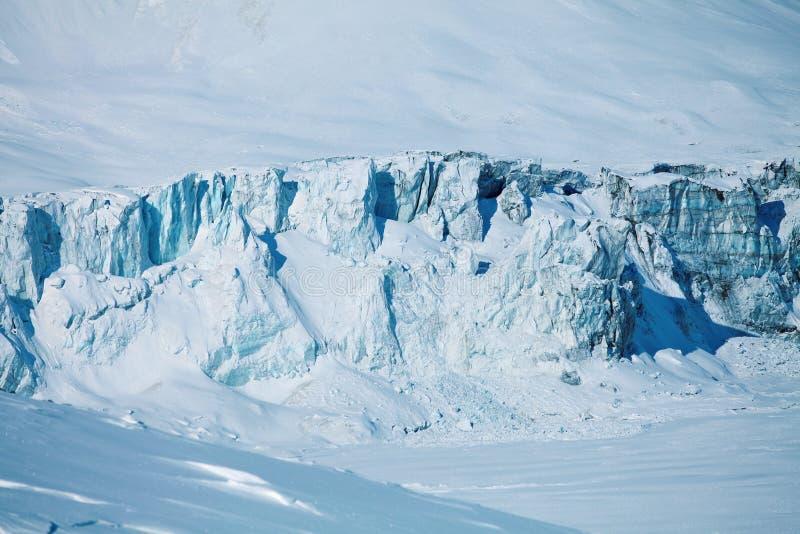 Instortende gletsjer en bevroren meer royalty-vrije stock fotografie