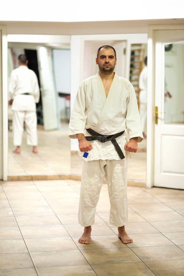 Instructeur d'arts martiaux photographie stock