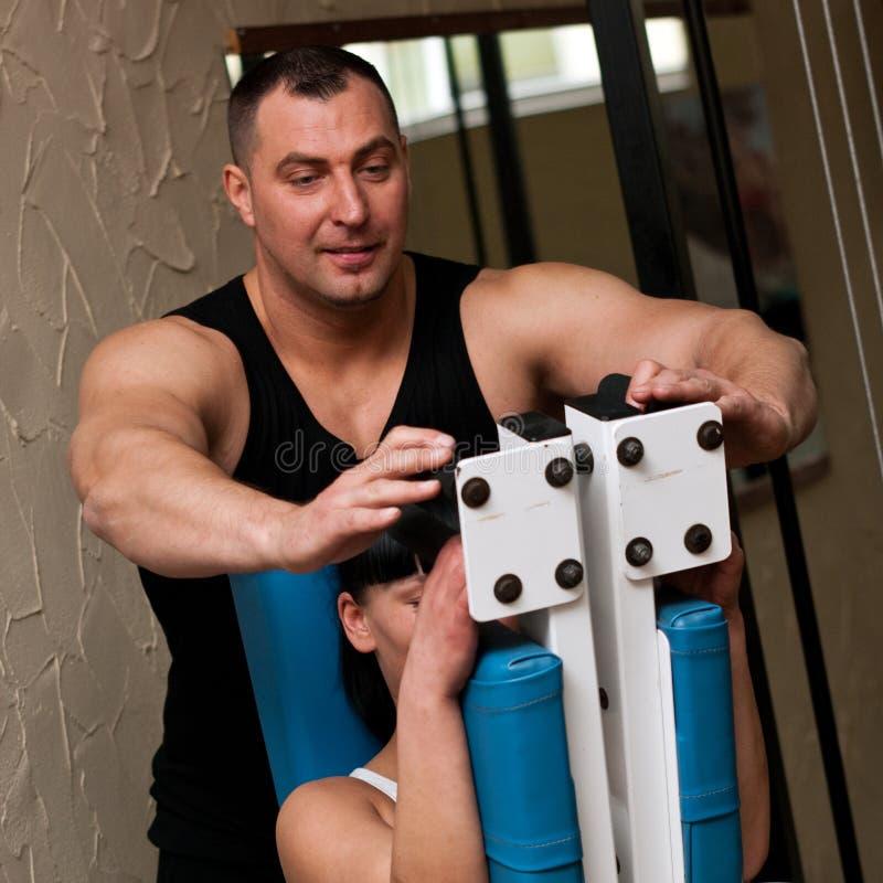 Instructeur de club de forme physique images stock