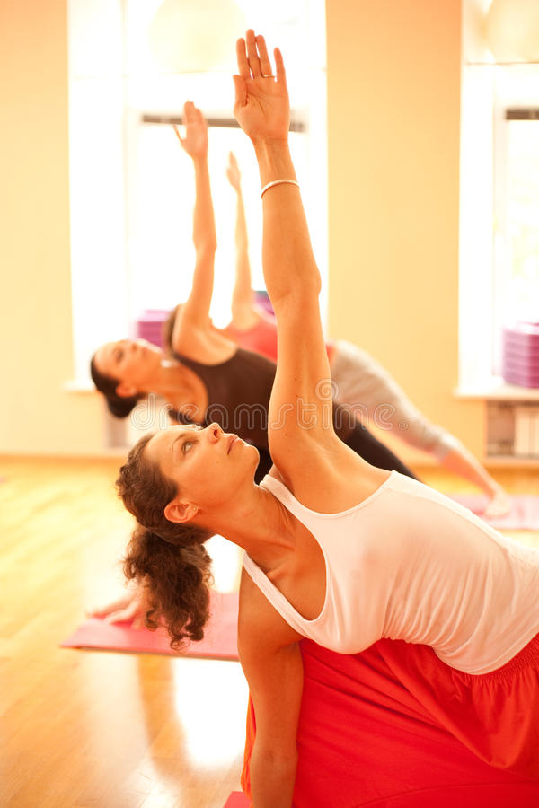 Instructeur de yoga photos libres de droits
