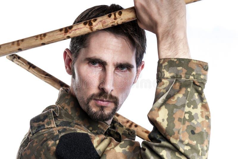 Instructor de la autodefensa con los palillos de bambú fotos de archivo libres de regalías