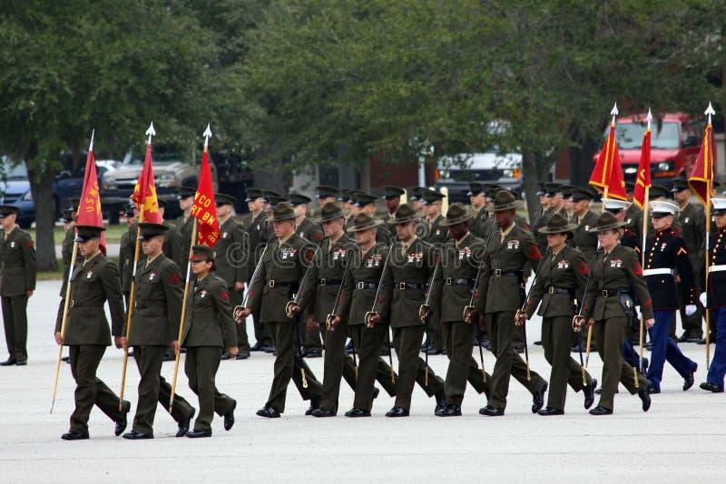 Instructores de taladro del Cuerpo del Marines en la graduación imagen de archivo