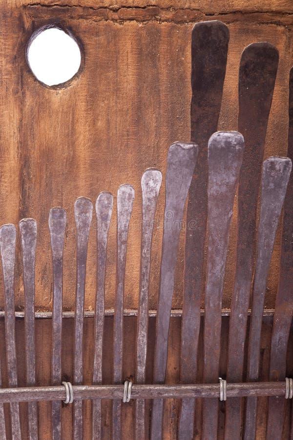 Instrument De Musique Traditionnel Africain De Kalimba  ~ Instrument En Bois Africain