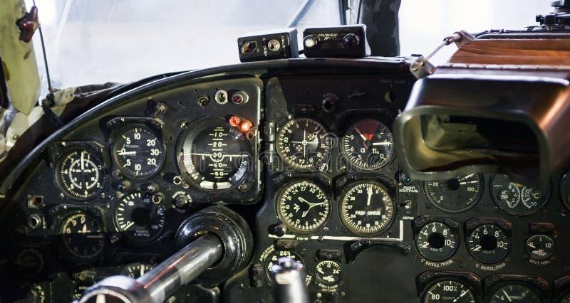 Instrumentbräda av flygplan för flygplan AN-24 fotografering för bildbyråer