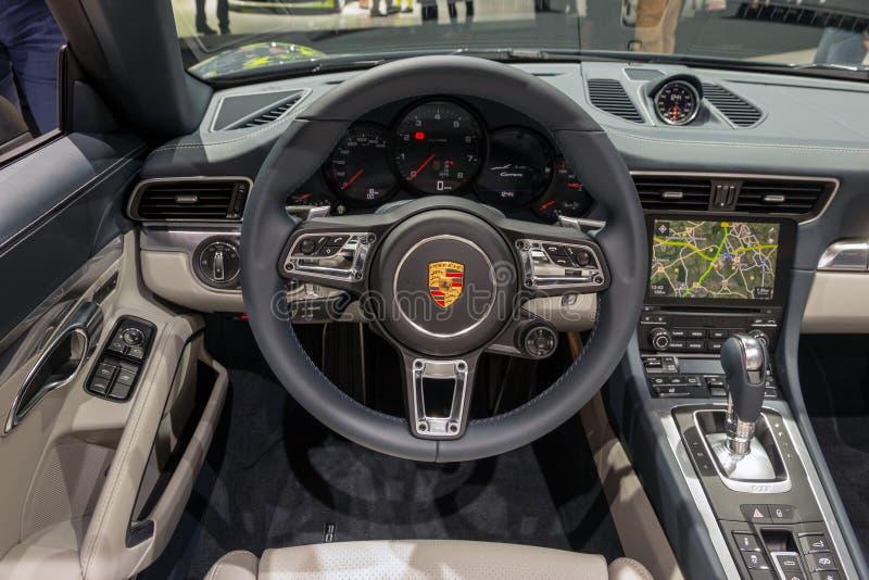 Instrumentbräda för Porsche 911 Carrera sportbilinre royaltyfri foto