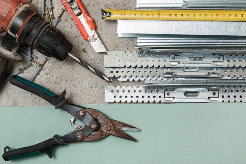 Instrumente für die Gestalt Gipskartonwände stockfotos