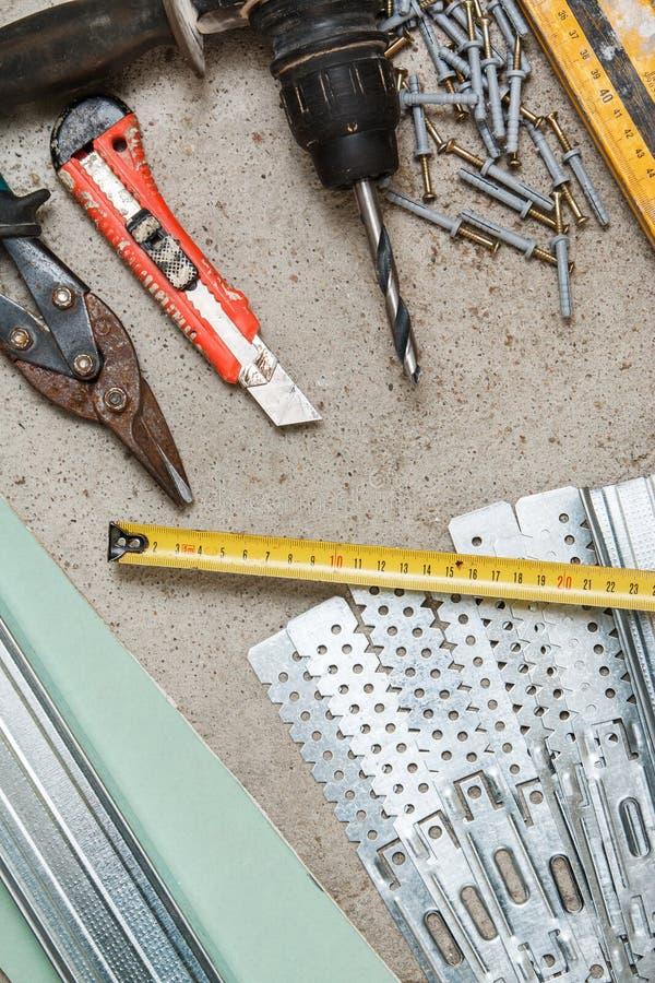 Instrumenten voor bouwstijl een gipsplaatmuren royalty-vrije stock foto