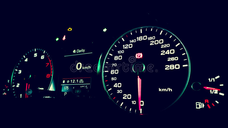 Instrumentenbrett Audis Q5 stockfotografie