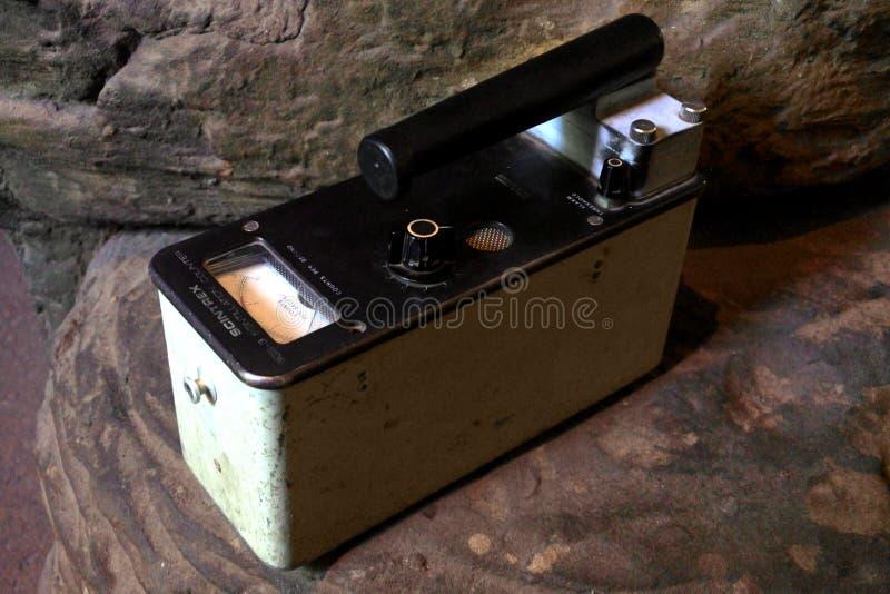 Instrumento de la detección de la radiación del contador Geiger fotos de archivo