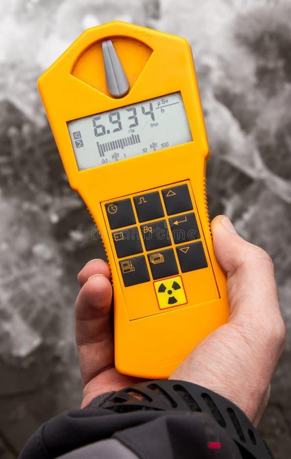 Instrumento de la medida de la radiación del dosímetro fotos de archivo