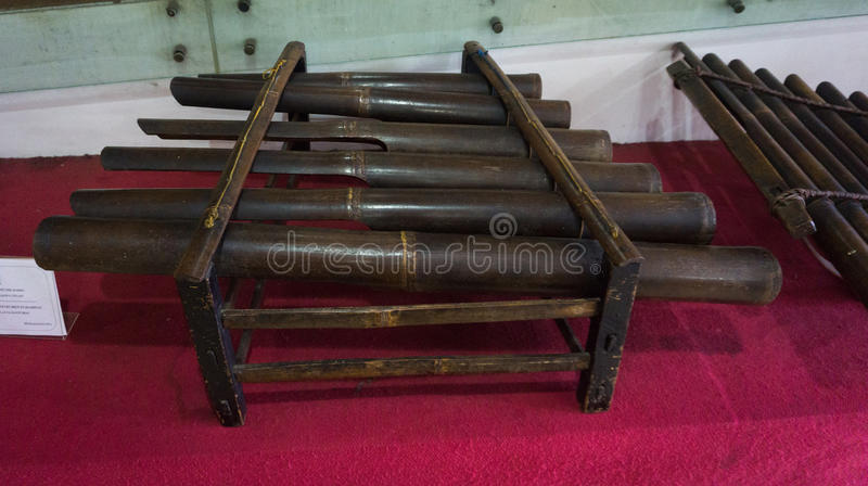 Instrumento de música tradicional feito foto de bambu de Jakarta recolhido Indonésia fotos de stock
