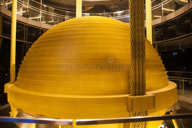Instrumento estable esférico de la torre de Taipei 101 encendido foto de archivo