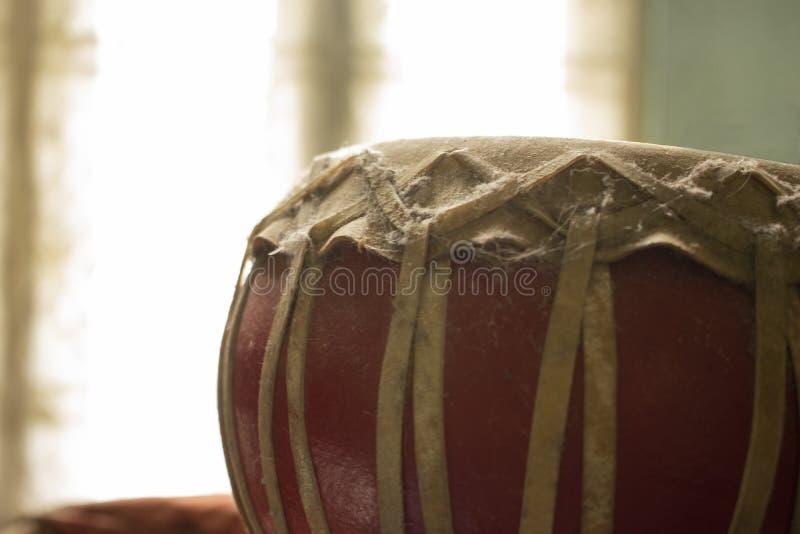 Instrumento musical cultural indiano abandonado de Nagara fotografia de stock
