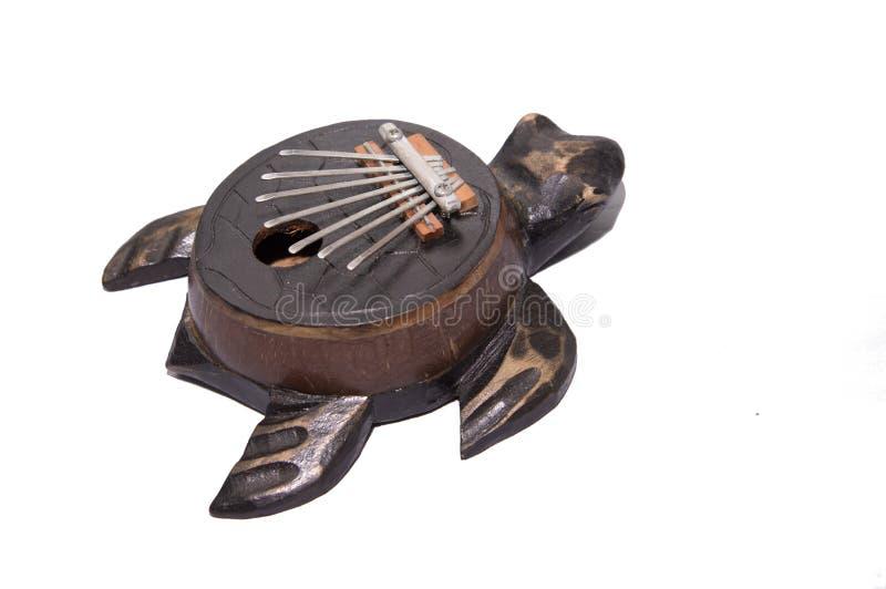 Instrumento musical Kalimba Close-up Isolado no fundo branco Tsantsa, Sanza, Mbira, Mbila, Ndimba, Lukembu, Lala, Malimba, foto de stock royalty free