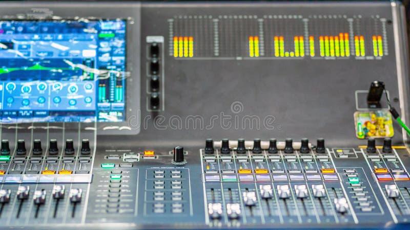 Instrumento musical Sintetizador digital moderno fotos de stock