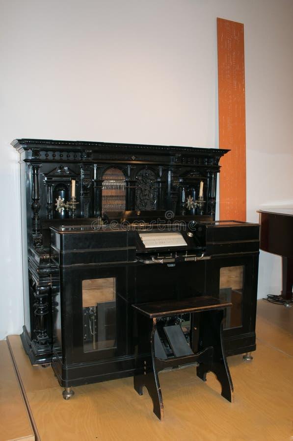 Instrumento original negro del carillón en el museo de Deutsches de Munich en Alemania foto de archivo libre de regalías