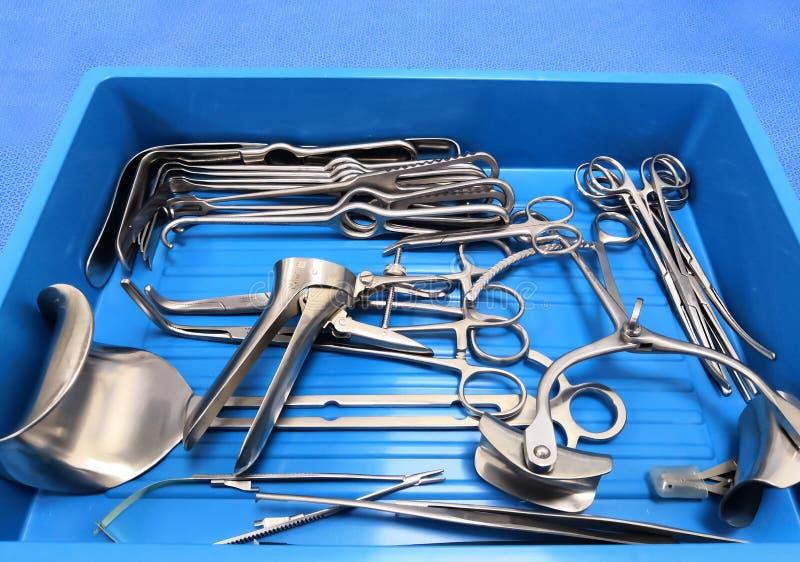 Instrumentos cirúrgicos médicos imagens de stock